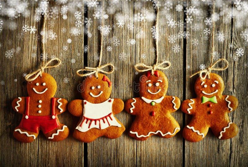 Galletas hechas en casa de los pares del pan de jengibre de la Navidad imagen de archivo libre de regalías