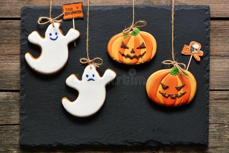 Galletas hechas en casa del pan de jengibre de Halloween fotografía de archivo