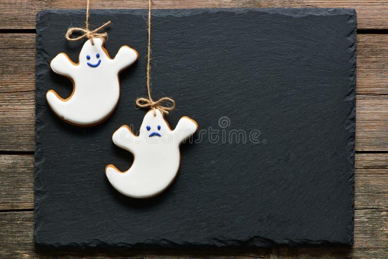 Galletas hechas en casa del pan de jengibre de Halloween imagen de archivo