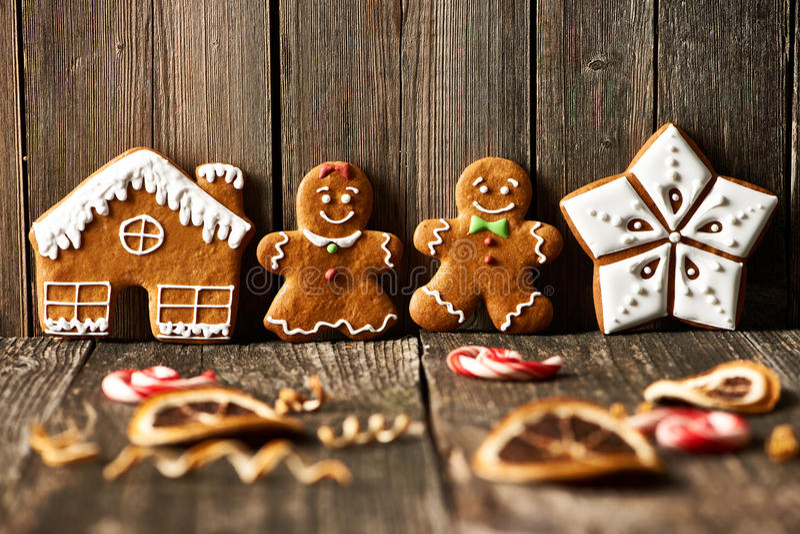 Galletas hechas en casa del pan de jengibre de la Navidad fotos de archivo libres de regalías