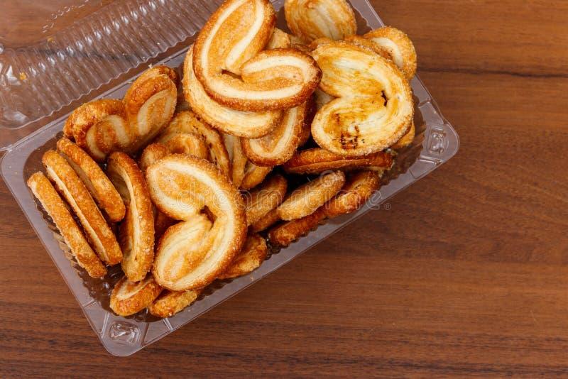 Galletas más con muchas palmas - galletas francesas hechas de la pasta de hojaldre imágenes de archivo libres de regalías