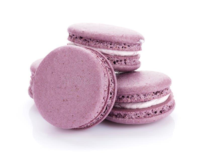 Galletas púrpuras del macaron imágenes de archivo libres de regalías