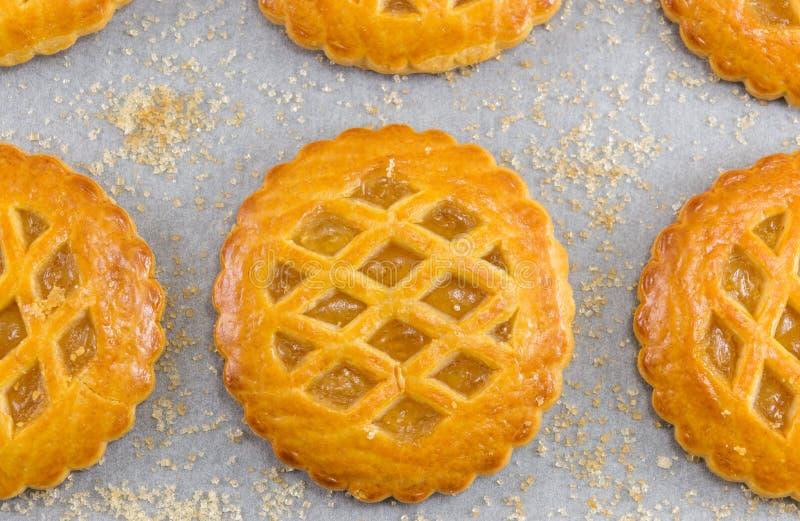 Galletas redondas dulces de la empanada de manzana foto de archivo libre de regalías