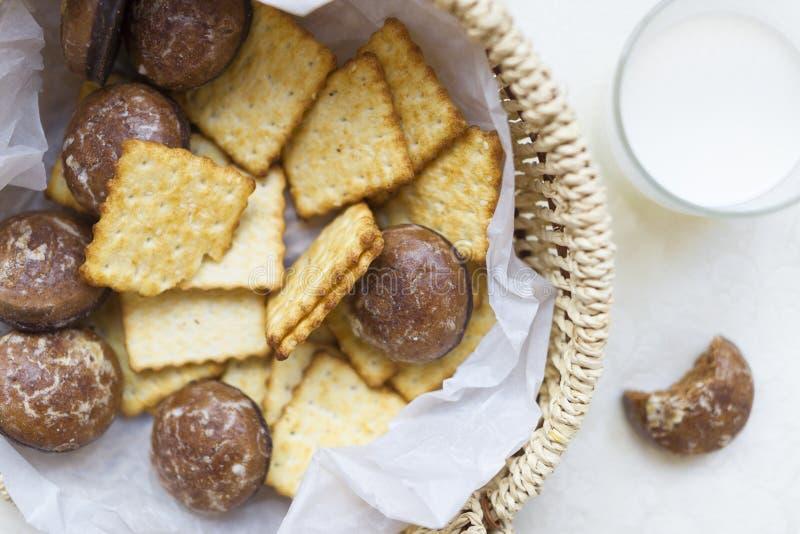 Galletas y pan de jengibre del chocolate imagen de archivo