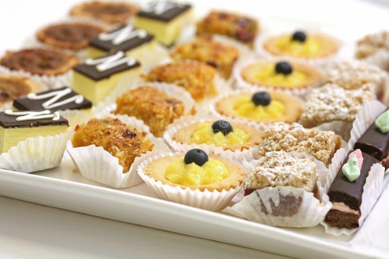 Galletas y pasteles clasificados foto de archivo libre de regalías