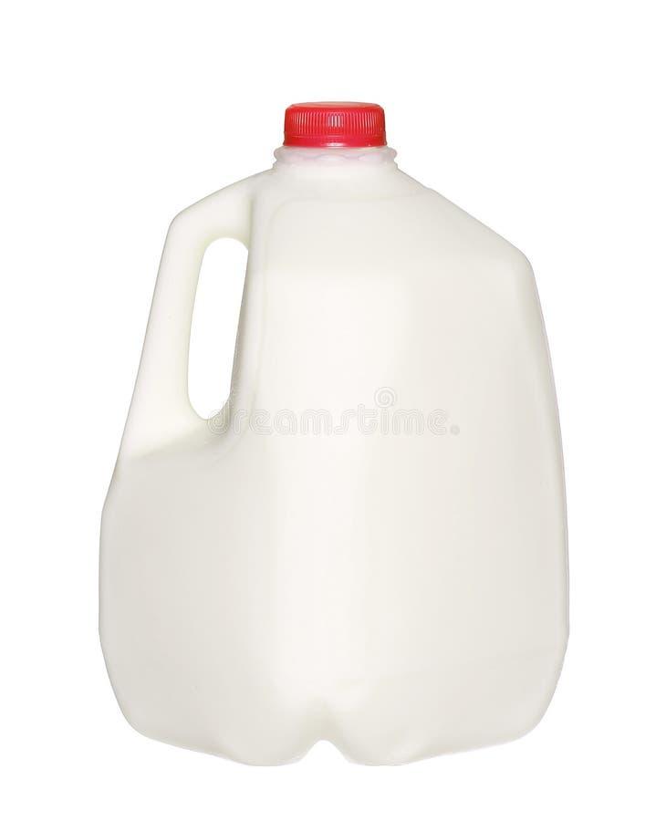 Gallonen-Milchflasche mit roter Kappe auf Weiß stockfoto