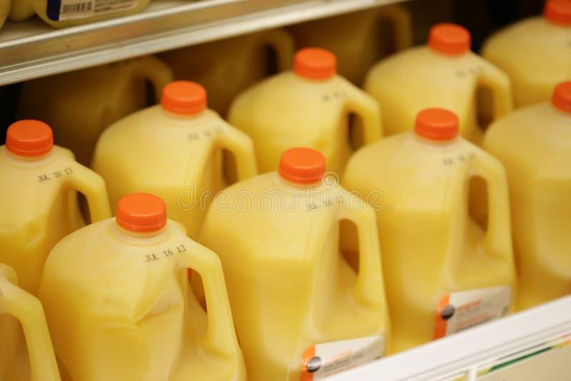 Gallons Jus d'orange royalty-vrije stock afbeelding