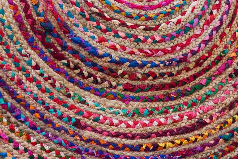 Galonowy Gałganiany dywanik z Kolorowymi tkaninami fotografia stock