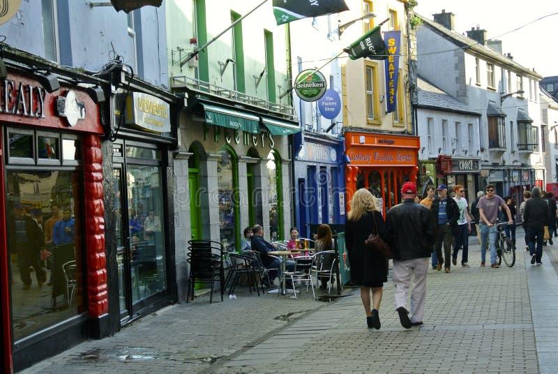 Galway ha colorato la via, Irlanda immagini stock