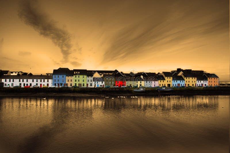 Galway Irlanda, la passeggiata lunga, case variopinte fotografia stock libera da diritti