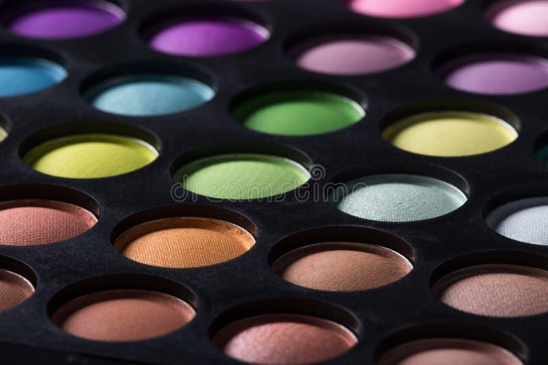 Gama de colores de las sombras de ojo coloridas imágenes de archivo libres de regalías