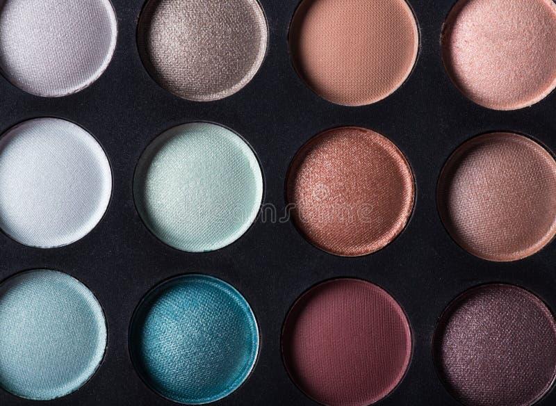 Gama de colores de las sombras de ojo coloridas imagen de archivo libre de regalías