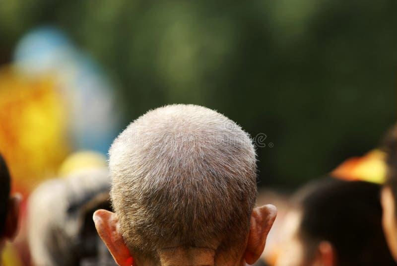 gamal man med vitt hår arkivbilder