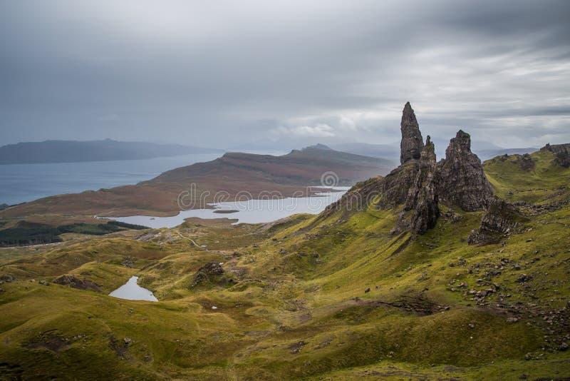 Gamala mannen av Storr på ön av Skye i Skotska högländerna av Skottland arkivfoto