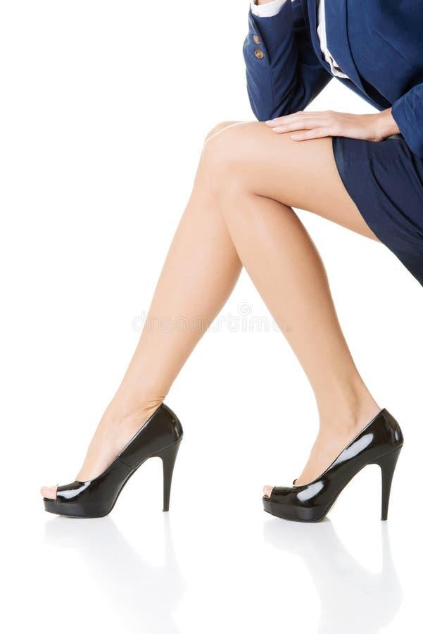 Gambe femminili, primo piano. fotografia stock libera da diritti