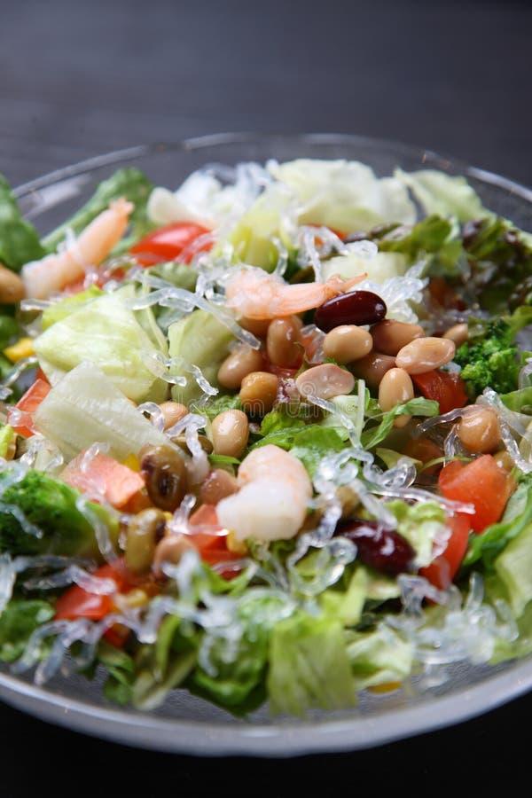 Gamberetto ed insalata freschi dei fagioli fotografia stock