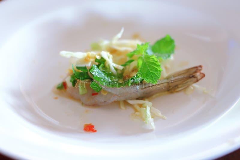 Gamberetto fresco di Rew in salsa di pesce piccante fotografia stock