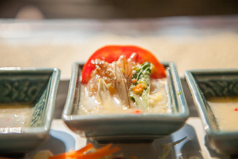 Gamberetto piccante dell'insalata in salsa di pesce fotografia stock libera da diritti