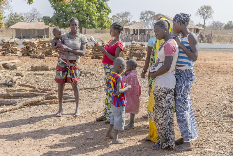 Gambiaans dorp stock foto