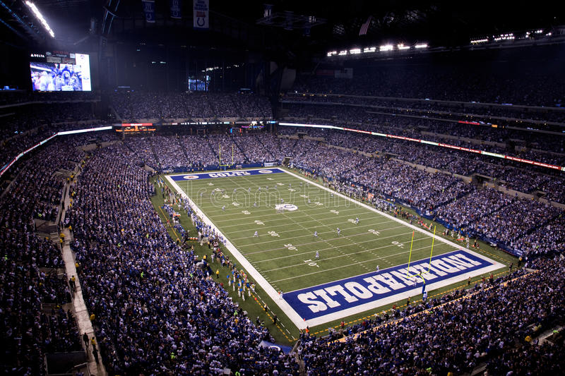 Download Game Time At Lucas Oil Stadium Editorial Stock Photo - Image of england, star: 11945448