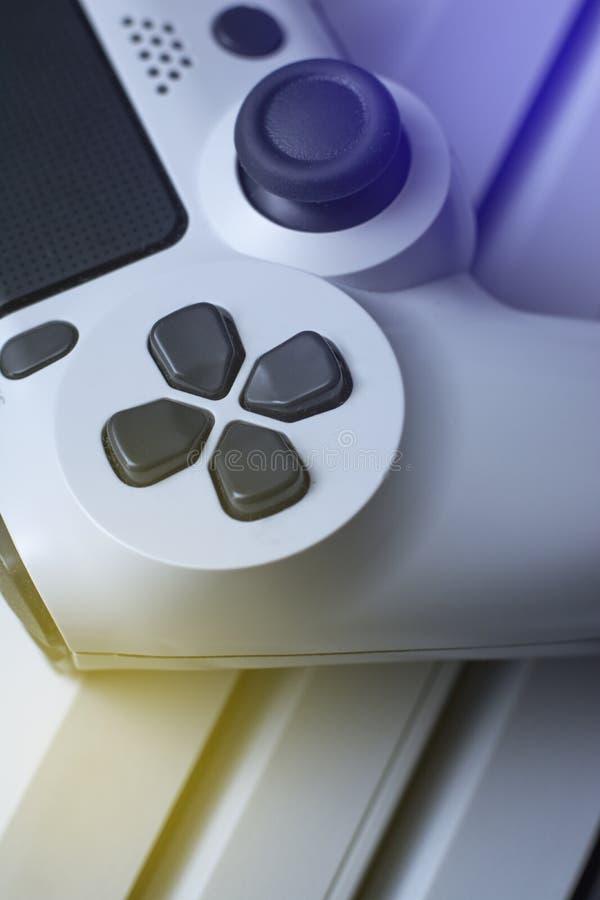 Gamecontroller und Spielkonsole Makro Konzeptansicht lizenzfreie stockbilder