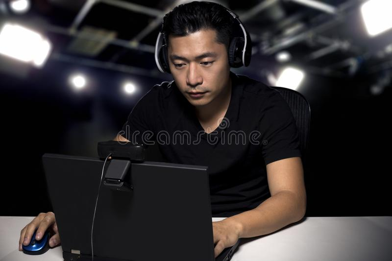 Gamer concurrentiel professionnel d'ESports photos libres de droits