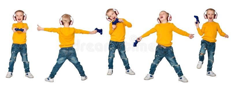 Gamer do menino nos fones de ouvido com o manche que joga o jogo de computador Isolado no fundo branco collage fotos de stock royalty free
