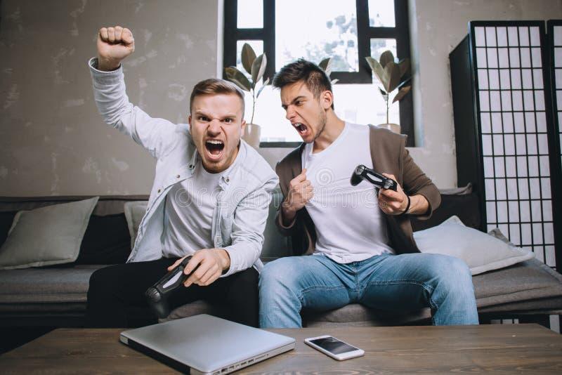 Gamers bawić się przyjęcia obraz royalty free