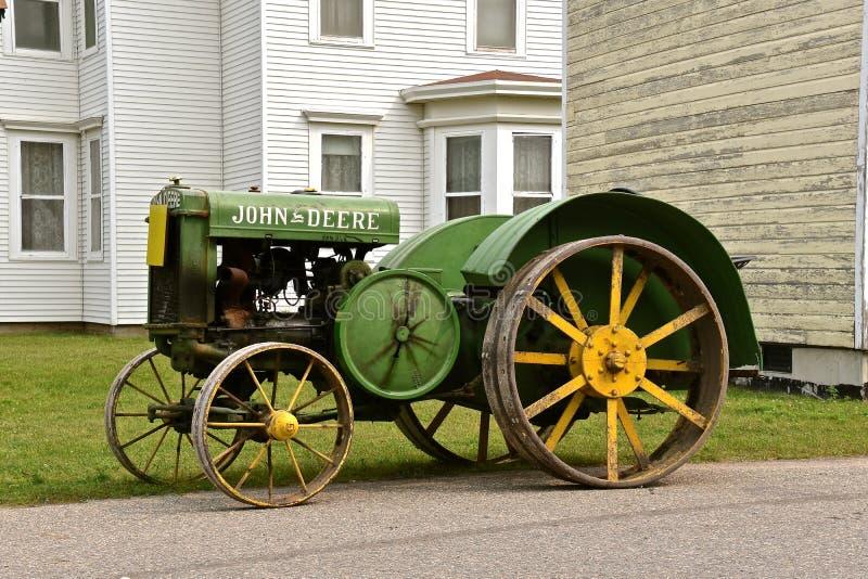 Gamla antika John Deere Tractor arkivbild