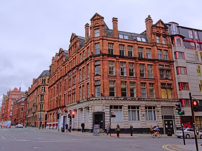 Gamla byggnader i victorian stylel i staden av Manchester royaltyfria foton