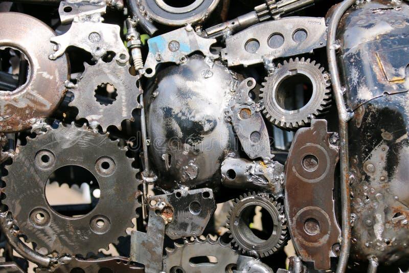 Gamla delar för metallbil som tillsammans svetsas royaltyfri fotografi