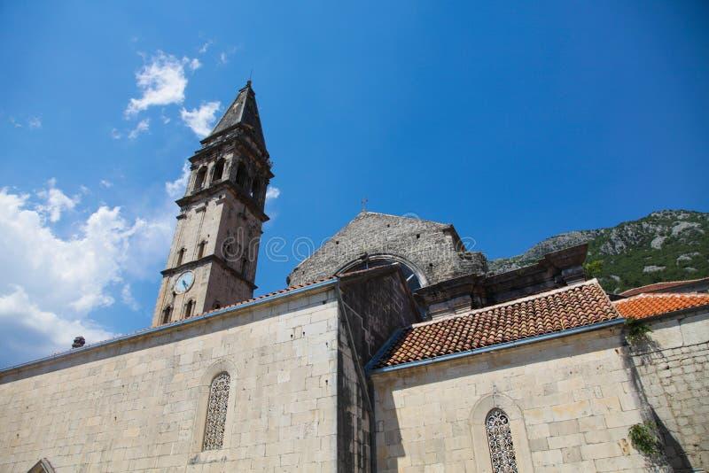 Gamla europeiska byggnader i Montenegro arkivfoton