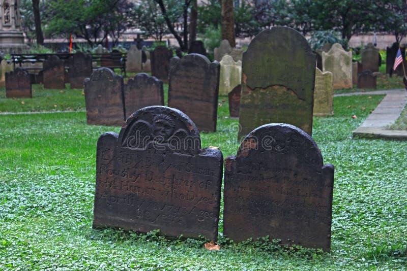 Gamla gravstenar i Amerika royaltyfria foton