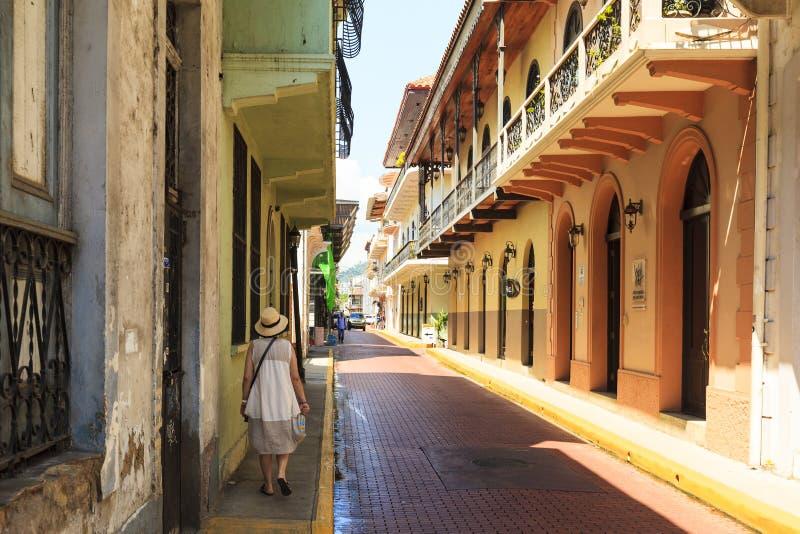 Gamla klassiska byggnader i det gamla Panamaet City arkivfoton
