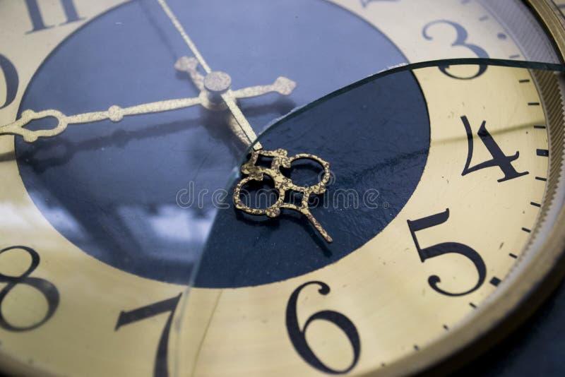 Gamla klockor. royaltyfri bild