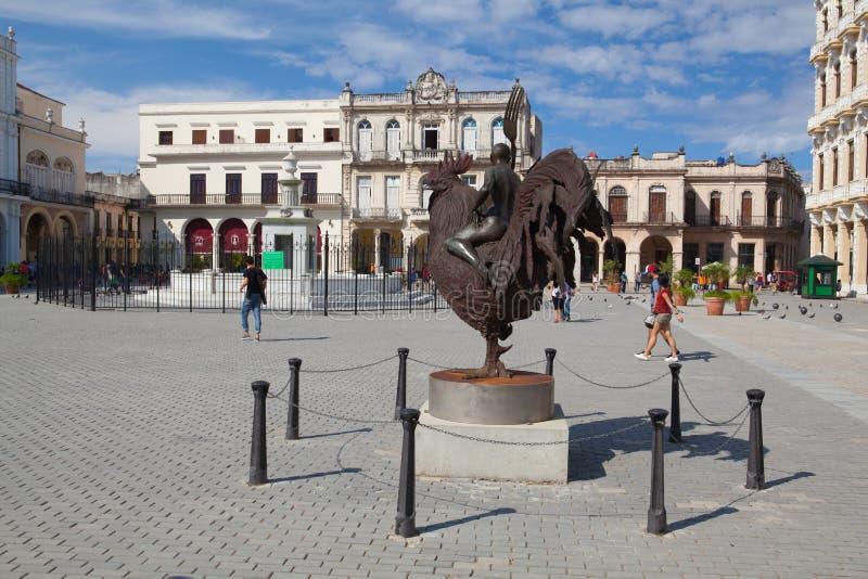 Gamla koloniala byggnader på den PlazaVieja fyrkanten, havannacigarr, Kuba royaltyfri foto