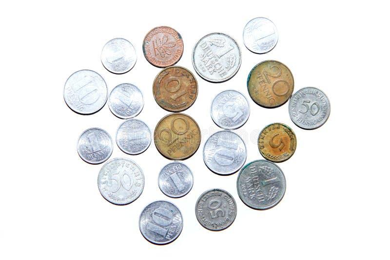 Gamla ogiltiga mynt från Tyskland royaltyfri bild