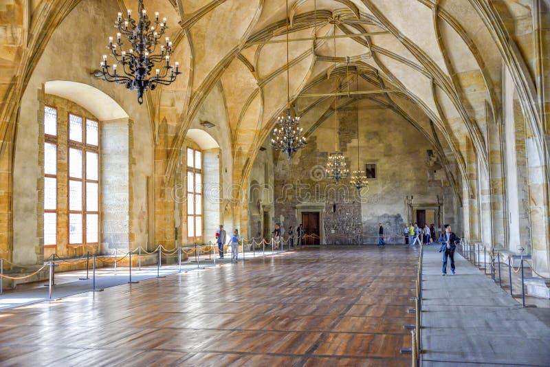 Gamla Royal Palace, Prague, Tjeckien arkivfoton