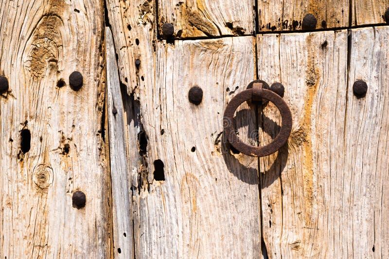 Gamla Rusty Wooden Doors (2) arkivfoton