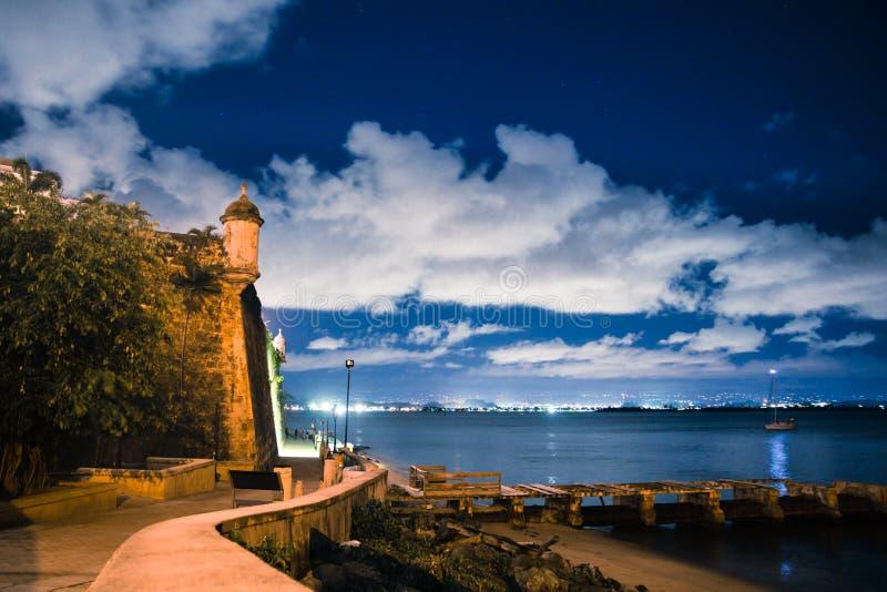 Gamla San Juan Puerto Rico El Morro Night royaltyfria foton