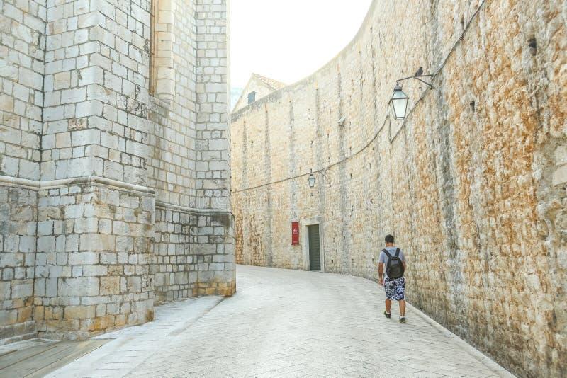 Gamla stadsväggar av Dubrovnik royaltyfri fotografi