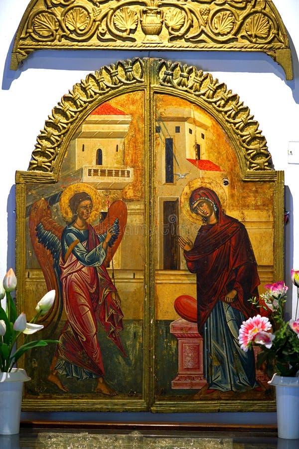 gamla symboler i kyrkan av oskulden Mary i Paleokastritsa, Korfu, Grekland arkivbild