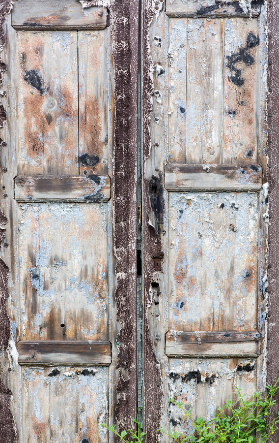 Gamla trädörrar, texturer arkivbilder