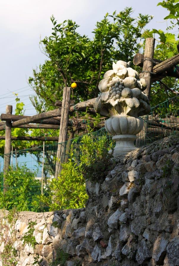 Gamla trädgårdar - Capri - Italien arkivfoto