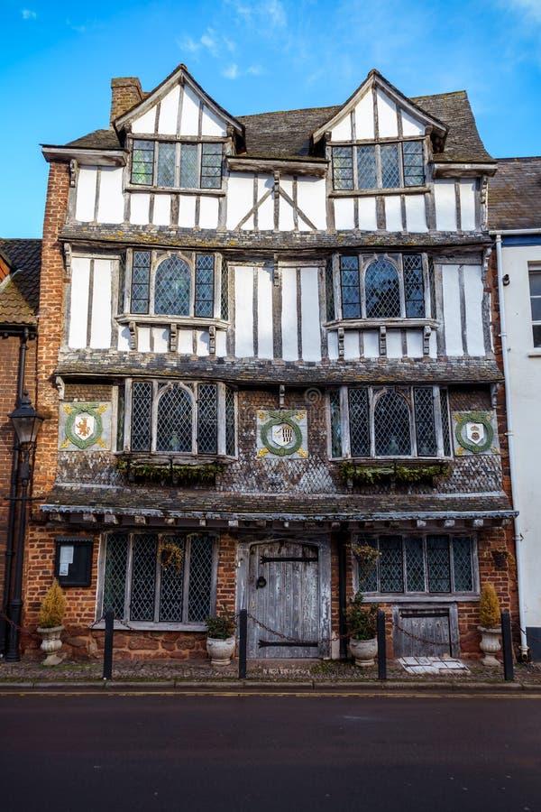 Gamla Tudor House, Exe ö, 6 Tudor Street, Exeter, Devon, Förenade kungariket, December 28, 2017 royaltyfria bilder