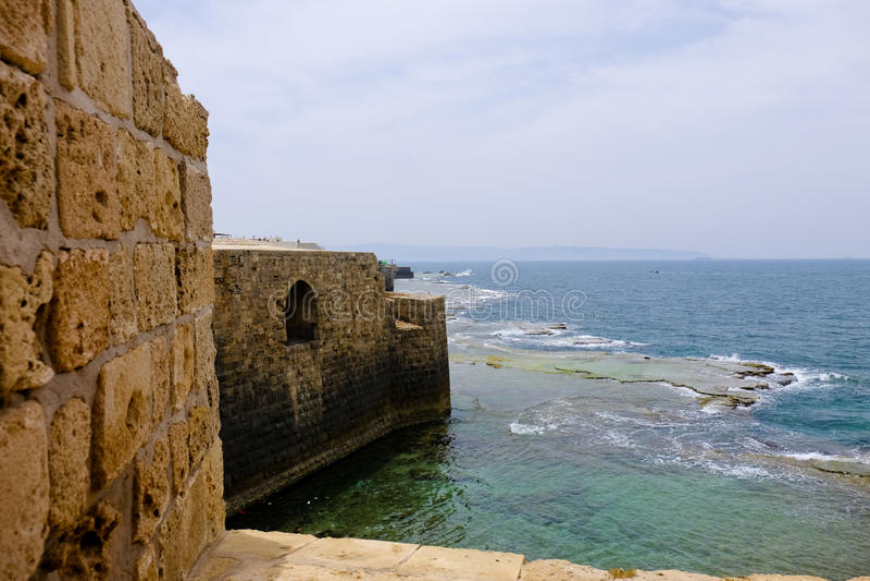 Gamla väggar av tunnlandet, Israel royaltyfria foton
