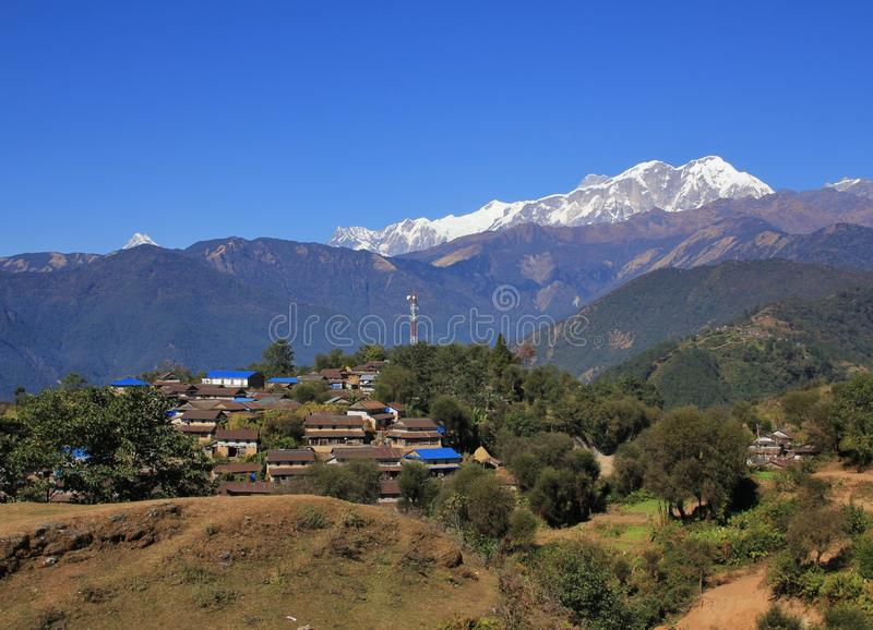 Gamma del villaggio Ghale Gaun e di Annapurna immagini stock libere da diritti