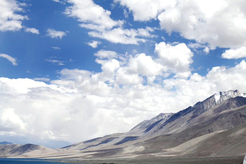 Gamma vicino al lago Pangong, vista di Mountian dal nord-ovest fotografia stock libera da diritti