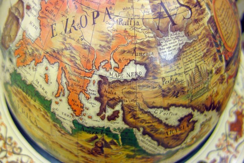 Gammal översikt av världen på jordklotet royaltyfri fotografi