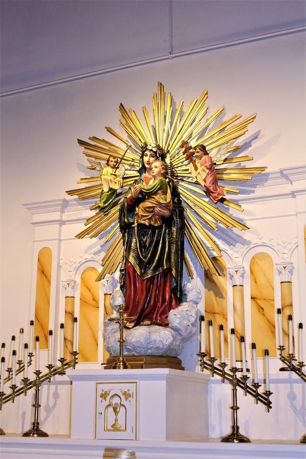 Gammal Adobe beskickning, vår dam av den eviga hjälpkatolska kyrkan, Scottsdale, Arizona, Förenta staterna arkivfoton